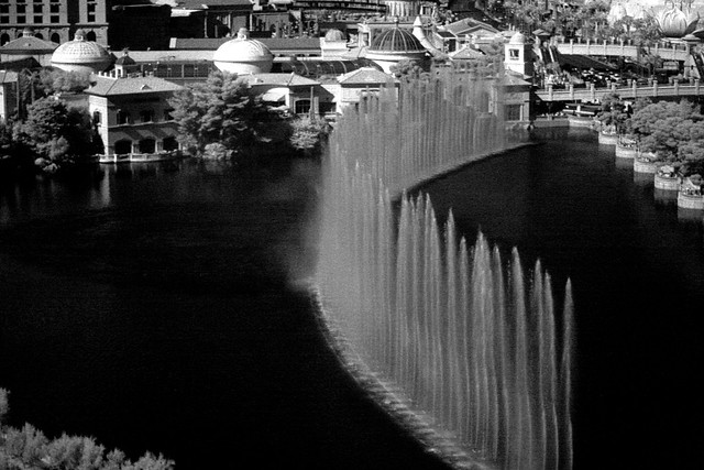 Bellagio Fountain (infrared)