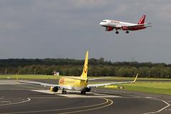 Air Berlin D-ALTL / TUIfly D-AHFL (wicho) Tags: aaltl a320 airberlin airbus aircraft avión b737 boeing dahfl dus dusseldorf eddl jet jetliner tuifly
