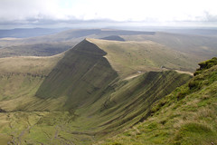 Landscape: Brecon Beacons - Cribyn from Pen y Fan (Mukumbura) Tags: uk vacation terrain brown holiday mountains green nature beauty face grass lines wales walking landscape outdoors climb countryside nationalpark scenery shadows sheep unitedkingdom hiking path cymru breconbeacons hills ridge brecon footpath ridgeline folds rugged penyfan steep gettyimages ascent triangular cribyn