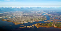 16.10.11 - Richmond, BC (gm 74) Tags: canada vancouver bc aviation aerial richmond fraserriver steveston fraservalley lowermainland garrypoint luluisland project365 ef24105mmf4lisusm 289365 3652011