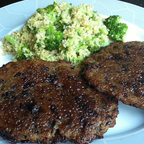 Quince glazed black bean cutlets
