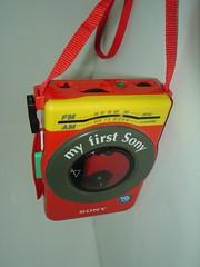Walkman met radio WMF-3030 - My First Sony collectie (BeeldenGeluid) Tags: museum radio ads walkman reclame retro gadgets collectie archief objecten beeldengeluid myfirstsony nederlandsinstituutvoorbeeldengeluid