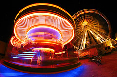 lose control (Thomas Gilbert Photography) Tags: longexposure light motion france wheel canon control carousel lose chartres whirligig chatelet beauce eureetloir thomasgilbert eureloir eos550d