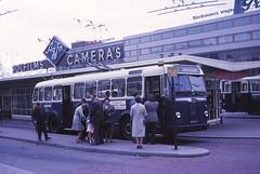 Arnhem BUT trolleybus 140 Station (Guy Arab UF) Tags: bus netherlands buses station arnhem but 1956 gemeente trolleybus centraal 140 obus verheul xb0823 9721t