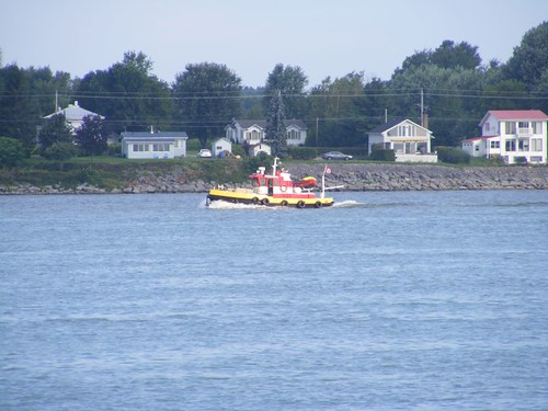 Cruising tugboat