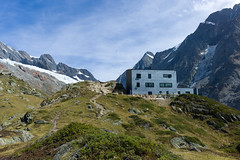 a n e h i t t a (anenhtte) (Toni_V) Tags: alps architecture landscape schweiz switzerland suisse hiking rangefinder alpen wallis valais m9 randonne berghtte 2011 ltschental summiluxm 35mmf14asph ltschenlcke 35lux messsucher 110911 toniv leicam9 anenhtte fafleralpanenhtte anungletscher l1003989 gugginalp