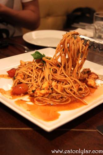 Spaghetti Con Arragosta, La Risata