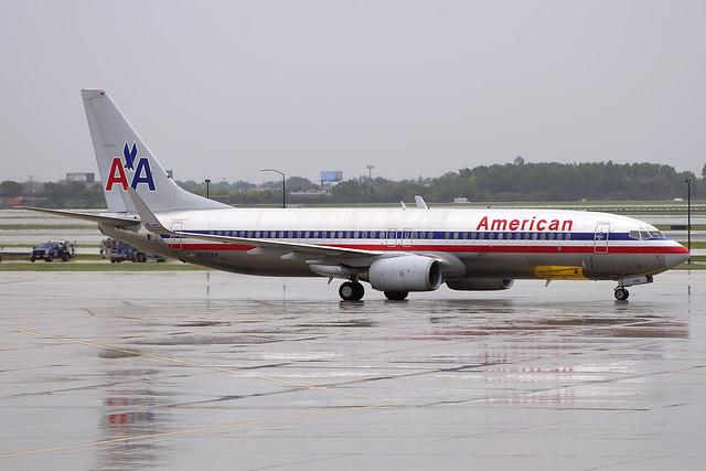 American Airlines Boeing 737-823 (N925AN)