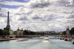 Alexandre III (A.G. Photographe) Tags: bridge sky bw cloud paris france tower gris nikon tour cloudy eiffeltower 110 eiffel ciel toureiffel ag pont nikkor nuage alexandre franais hdr parisian pontalexandre anto filtre photographe xiii alexandreiii parisien neutre 2470mm28 bw110 d700 antoxiii hdr9raw agphotographe
