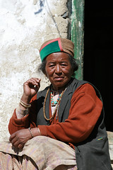 Inde - Himachal Pradesh - Nako (jmboyer) Tags: voyage travel portrait people india tourism face portraits montagne canon photography photo yahoo asia flickr photos couleurs picture tribal tibet viajes tribes planet lonely asie lonelyplanet himalaya monde ethnic minority tabo couleur himachal himalayas spiti ladakh gettyimages tourisme visage inde reportage nationalgeographic nako pradesh himachalpradesh minorities travelphotography googleimage  go indiatourism colorsofindia incredibleindia indedunord tourim photoflickr photosflickr canonfrance photosyahoo tourime imagesgoogle jmboyer northemindia hp1010dxo photosdhimachalpradesh photogo nationalgeographie photosgoogleearth