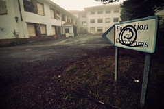 Welcome to Izarra International College... (la.churri) Tags: nikon colegio abandono 2011 d90 tokina1224mm izarrainternationalcollege