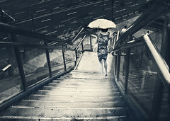 A touch of class (Inmacor) Tags: china stairs umbrella mujer escalera estilo sombrilla paraguas bajar contrapicado virado robado seduccion ltytr2 ltytr1 ltytr3 inmacor