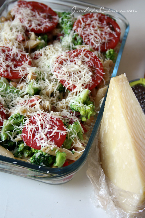 Tomato, Broccoli and Mozzarella Pasta Casserole