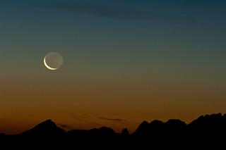 Rising moon, rising sun
