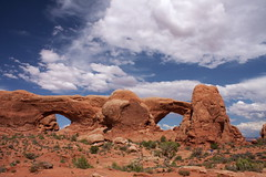 1107-Arches-107 (musematt11) Tags: utah ut desert moab archesnationalpark fourcorners americansouthwest naturalarches northwindowarch southwindowarch