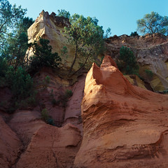Ochre Quarry (Jean-Louis Piraux) Tags: france 6x6 mediumformat square mf provence ochre roussillon quarry 84 vaucluse mamiyac220 lubéron gossenlunasix3 kodakektar100 tetenalcolortec sekor80