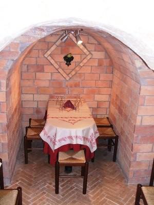 La cantinetta dell'Osteria del tempo perso a Genzano di Roma