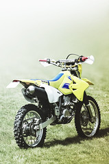 Dust and rocks, here we are! (Jordan Gamet) Tags: sunset yellow crossing cross 4 apocalypse atmosphere stroke trail 400 moto motorcycle suzuki motocross clearing enduro drz 400cc 4t drz400s drz400 franchissement