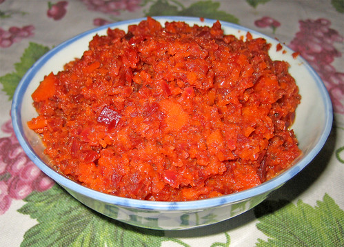 salsa giapponese con barbabietole, cipolle e carote by fugzu