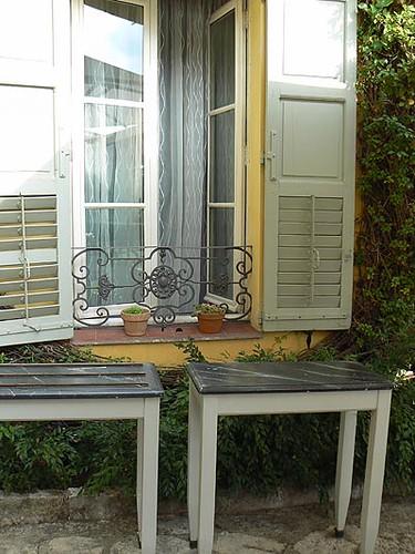 tables et fenêtre.jpg