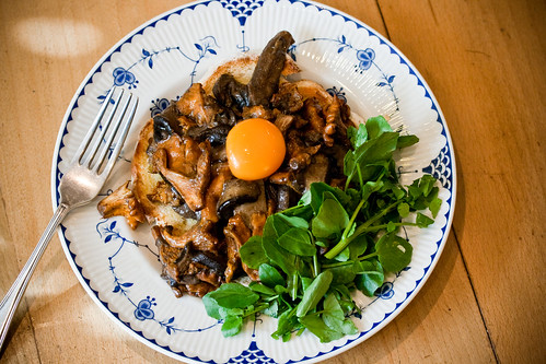 Mushrooms with watercress-9