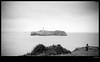El Faro y la luz (Ricardo I.V.) Tags: blancoynegro luz mar flickr pareja cantabrico