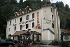 "2011_641004 - Hotel Puymorens • <a style=""font-size:0.8em;"" href=""http://www.flickr.com/photos/84668659@N00/6146795656/"" target=""_blank"">View on Flickr</a>"
