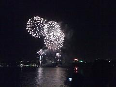 fireworks 2010 056 (Ashes58) Tags: fireworks sydney oprah 2010 fireworks2010