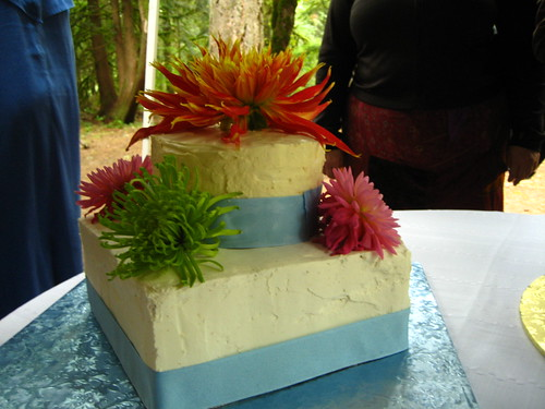 9x9 white/white, 6x2 GF carrot cake