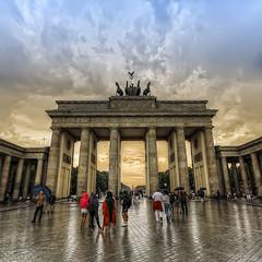 7618_F (Berlin, Brandenburger Tor) (Rafelot) Tags: berlin muro wall germany puerta alemania tor brandenburger quadriga mitte brandenburg pariserplatz brandenburgo eixidetes rafelot amicsdelacamera afsueca afcastello