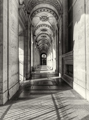 Le Louvre (Ganymede - Over 5 millions views.Thks!) Tags: blackandwhite paris noiretblanc lelouvre greatphotographers artistoftheyearlevel3 artistoftheyearlevel4