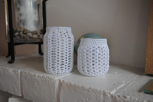 SnipsnaphappyCrochet jar covers