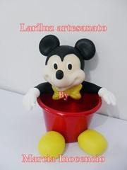 Mickey - Centro de mesa -  Cachep (lariluzartesanato) Tags: aniversario biscuit festa lembrancinha centrodemesa cachepo