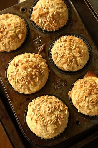 Cavena Nuda Naked Oats Banana Muffins