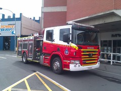 Tasmania Fire Service - Launceston 1.1 On-Scene (Structure Fire) (SierraTAS) Tags: street blue red alarm truck fire lights australia 11 brisbane structure led firetruck tasmania emergency firefighter siren lts services launceston myer scania callout pumper livery lightbar tfs p310 tasmaniafireservice