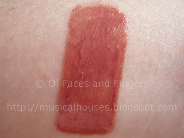 sally hansen luminous lipgloss swatch