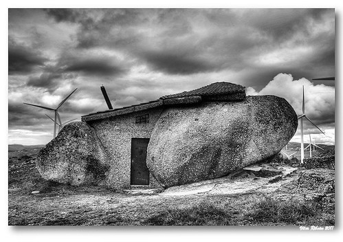 Rock house (b/w) #2 by VRfoto
