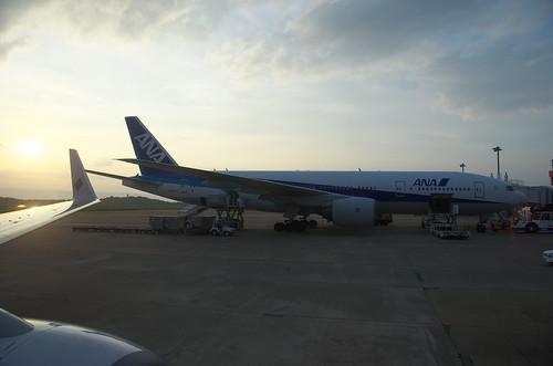 ANA B777-200