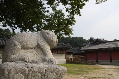 錦川橋を守る動物・昌徳宮 / Changdeokgung