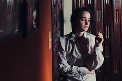 [フリー画像素材] 人物, 女性, 煙草・タバコ, 人物 - 憂鬱 ID:201110102000