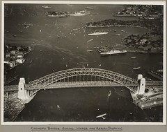 Sydney Harbour Bridge crowded with onlookers during the water and aerial display, 19 March 1932 (National Library of Australi