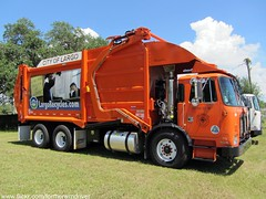 City of Largo, FL - Autocar ACX / E-Z Pack FEL - 108-60-33-36 (FormerWMDriver) Tags: trash truck garbage florida front collection pack rubbish end ez fl waste refuse recycle loader recycling load sanitation fel frontloader acx recycler autocar frontload hecules cityoflargo largorecycles largorecyclescom 108603336