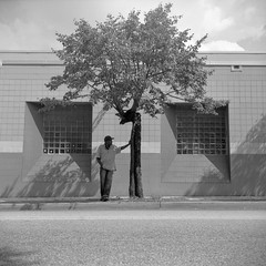 (patrickjoust) Tags: street city people urban bw usa white black west tree 120 6x6 tlr blancoynegro film home festival analog america square lens person us reflex md focus waiting fuji mechanical pennsylvania united watching north patrick twin maryland super baltimore cadillac parade 150 v homecoming shake epson fujifilm medium format neopan 100 states manual 500 rodinal avenue 80 joust bake developed develop acros estados 80mm f35 blancetnoir unidos ricohflex v500 schwarzundweiss autaut patrickjoust