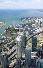 Blick vom CN-Tower (8) (lt_paris) Tags: toronto highway cntower stadt turm reise hochhaus kanada gardinerexpressway ltparis ontariosee