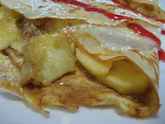 crêpe with apples