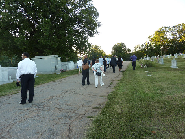 P1000533-2011-09-24-Aatlanta-Preservation-Center-Sacred-Spaces-South-View-Cemetery-Tour-Procession