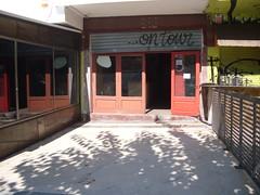 Local comercial en venta con unos 30 m2 de Terraza en propiedad.  Solicite más información a su inmobiliaria de confianza en Benidorm  www.inmobiliariabenidorm.com