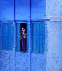 Often there is eloquence in a silent look (areyarey) Tags: city blue sun india house window look architecture state fort painted achitecture rajasthan jodhpur suncity mehrangarh bluecity marwar princely mehrangarhfort bluepainted princelystate areyarey