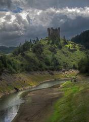 IMG_4519_20_21_ 2_ 3_tonemappe (xsalto) Tags: france de la tours chteau barrage hdr auvergne forteresse ruines valle cantal truyre dalleuze