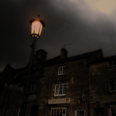 Campden Lights III (Andrew Lockie) Tags: england square cotswolds le croissant petit chipping cotswold campden